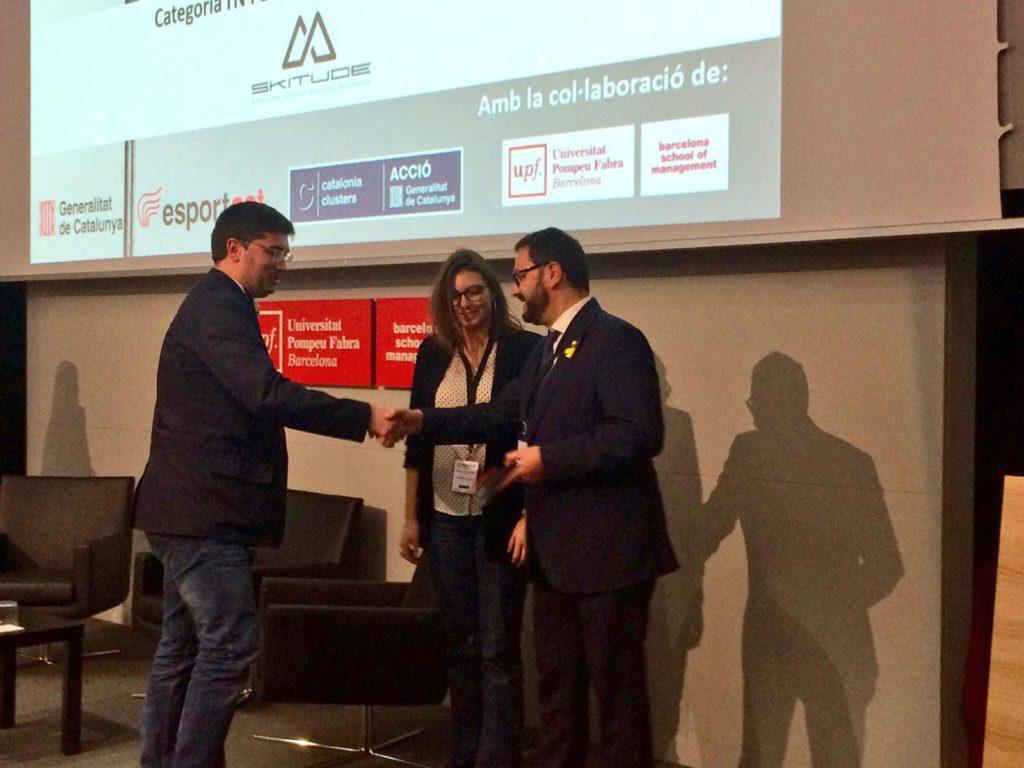 Marc Bigas i Héloïse Haake recollint el premi