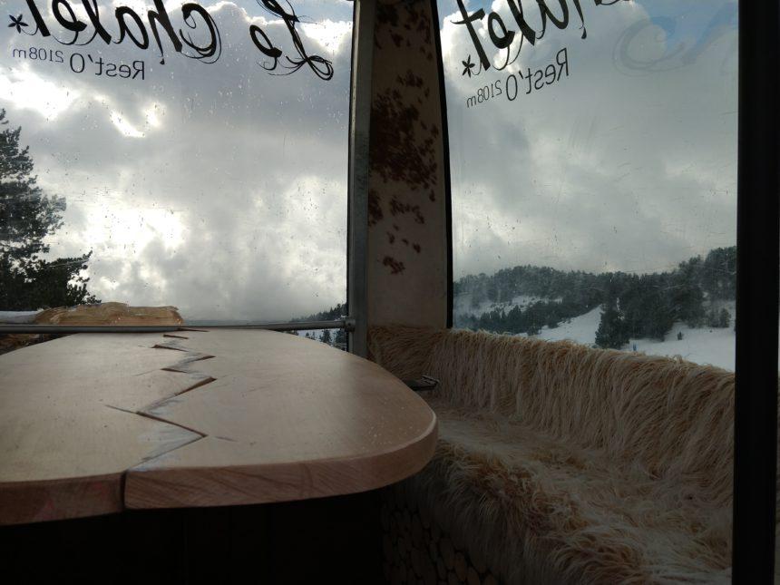 Cada cabina disposa d'una decoració diferent realitzada per Helene i Bans